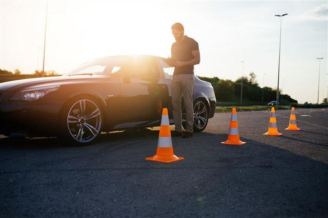 Jak znaleźć renomowaną szkołę jazdy? 2