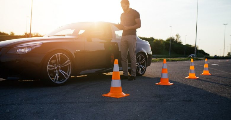 Jak znaleźć renomowaną szkołę jazdy? 1